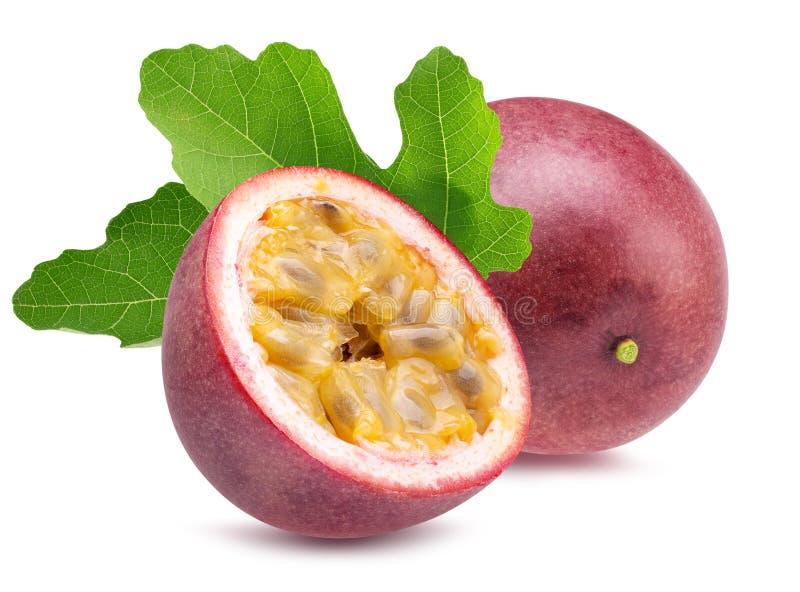 Frutas de la pasi?n aisladas en un fondo blanco imágenes de archivo libres de regalías
