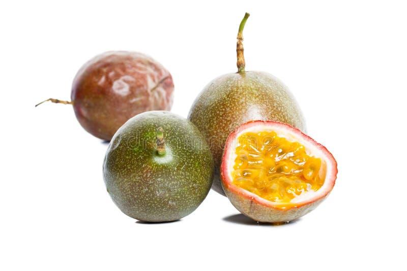 Frutas de pasión en el fondo blanco fotografía de archivo libre de regalías