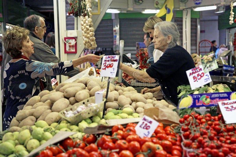 Frutas e legumes do mercado imagens de stock