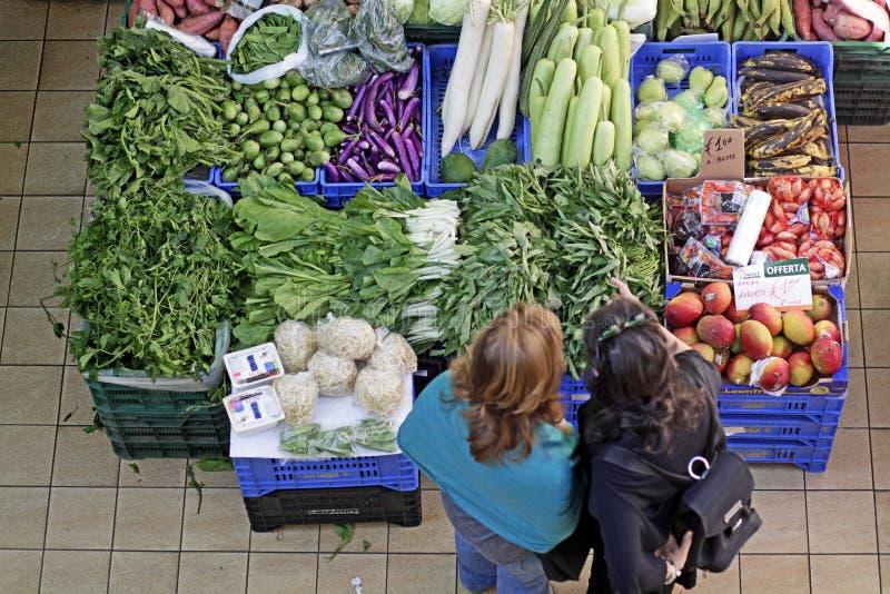 Frutas e legumes do mercado foto de stock