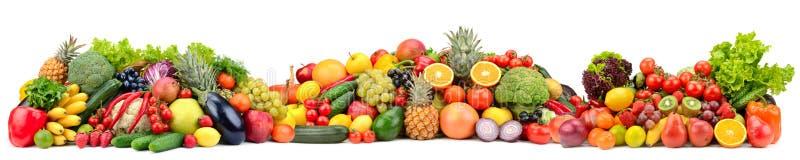 Frutas e legumes frescas da variedade da composição isoladas no fundo branco imagens de stock royalty free