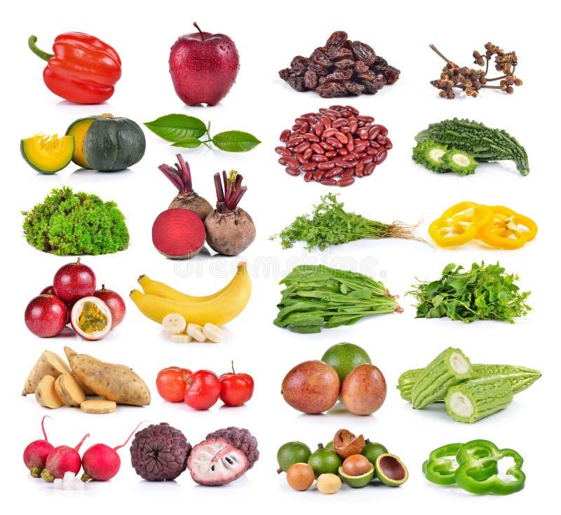 Frutas e legumes no fundo branco imagens de stock