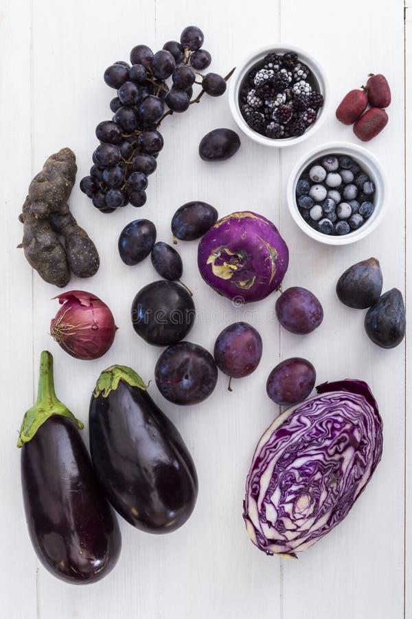 Frutas e legumes roxas imagem de stock