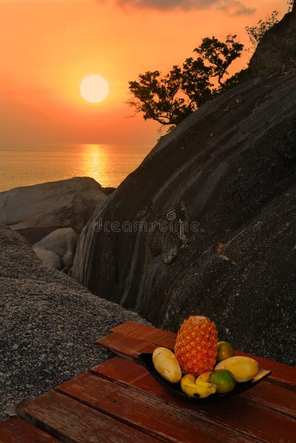 Frutas exóticas no por do sol fotografia de stock royalty free