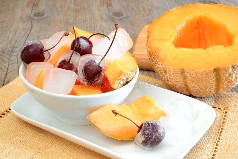 Download Frutas frescas congeladas foto de archivo. Imagen de melón - 44850830