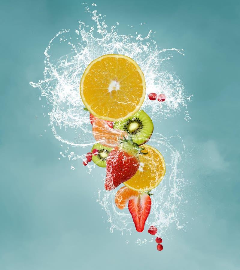Frutas frescas para una dieta vitaminic fotos de archivo libres de regalías