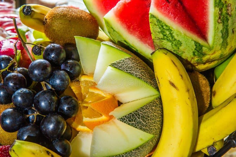Download Frutas Múltiples En La Placa Foto de archivo - Imagen de fruta, frescura: 42442494