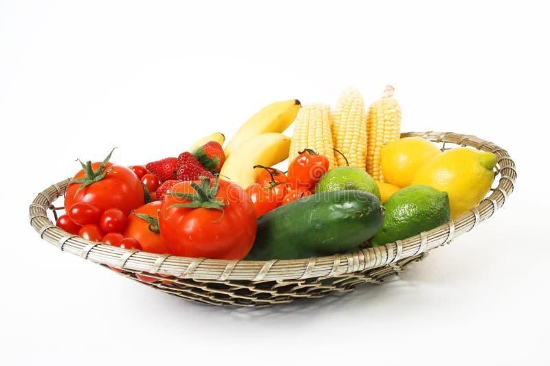 Frutas na cesta foto de stock