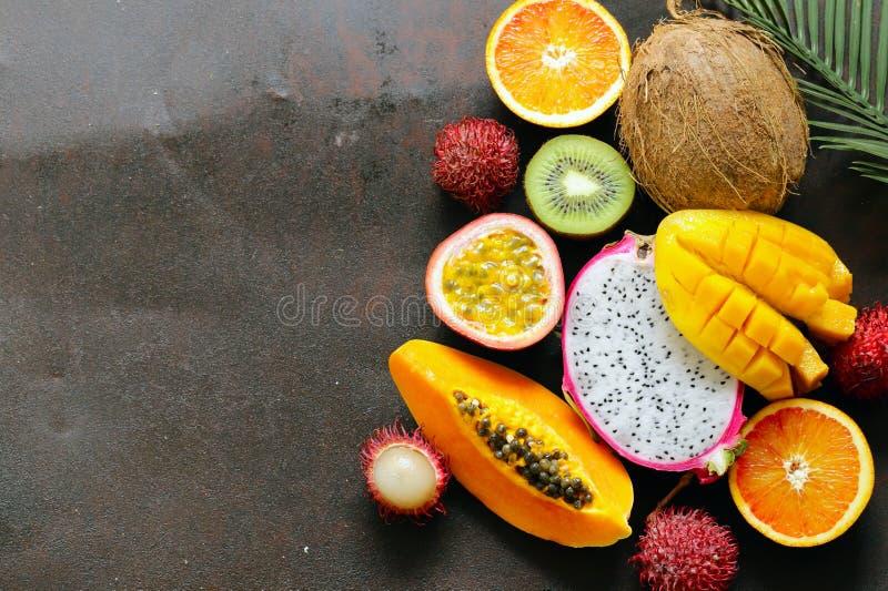 Frutas tropicales frescas foto de archivo libre de regalías