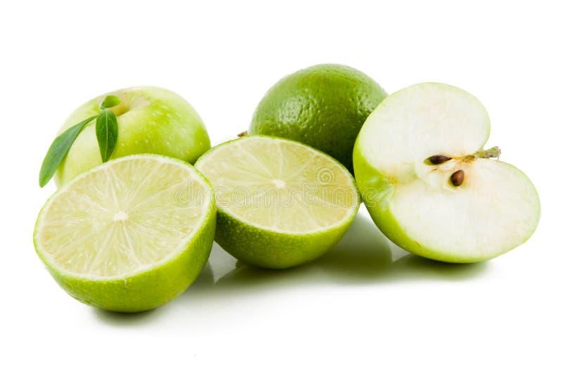 Frutas verdes frescas aisladas fotografía de archivo