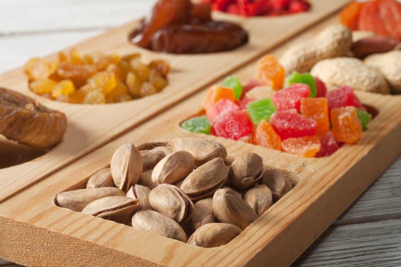 Frutas y nuez secadas foto de archivo