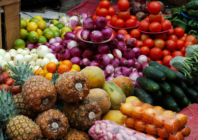 Frutas y verdura abundantes fotos de archivo