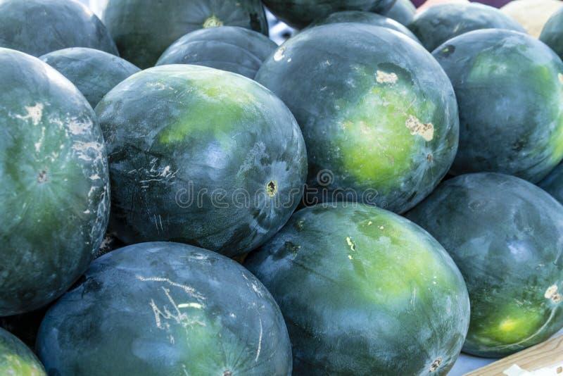 Frutas y verduras orgánicas frescas en el mercado de los granjeros fotografía de archivo