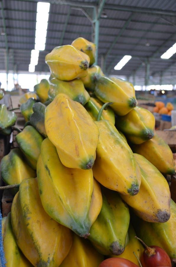 Fruto de estrela em um mercado em Equador imagem de stock royalty free