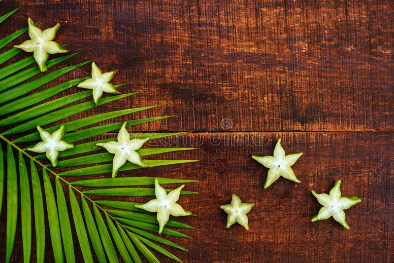 Fruto de estrela, starfruit ou ma?? de estrela imagens de stock royalty free