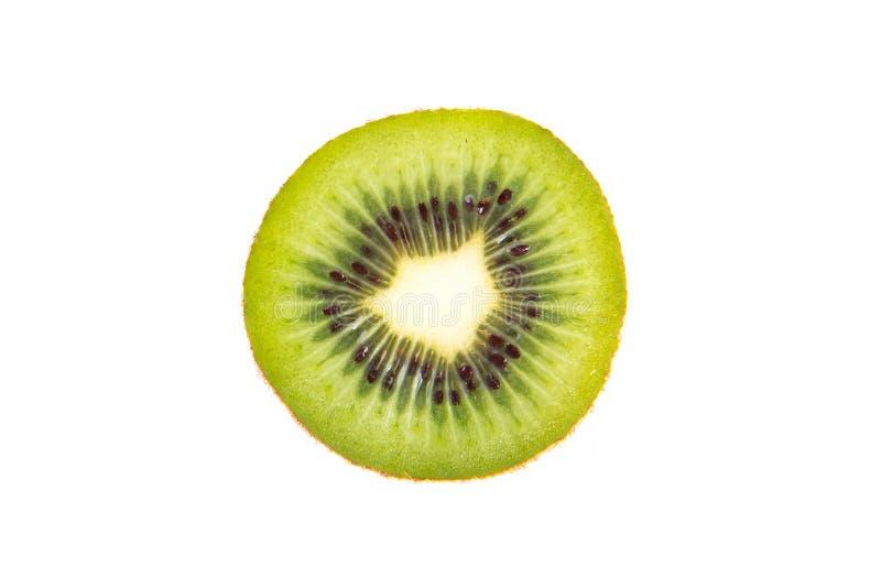 Fruto de quivi, fatia de quivi suculento verde Isolado no branco imagens de stock royalty free