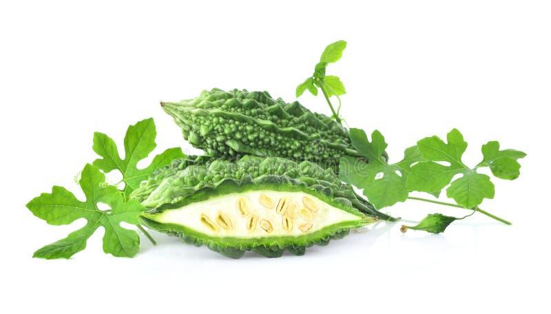 Fruto do charantia do Momordica de Freash isolado no fundo branco imagem de stock