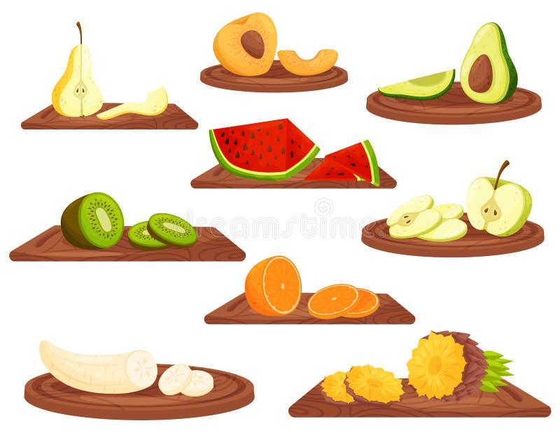 Frutos dos desenhos animados na placa de corte de madeira no fundo branco ilustração royalty free