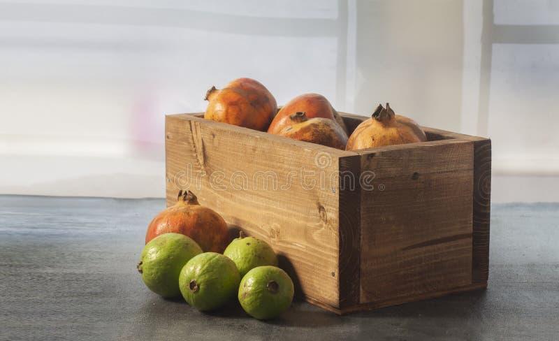 Frutos na cesta e para fora foto de stock royalty free