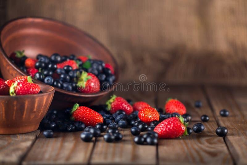 Download Frutta immagine stock. Immagine di verde, bianco, mixed - 117975287