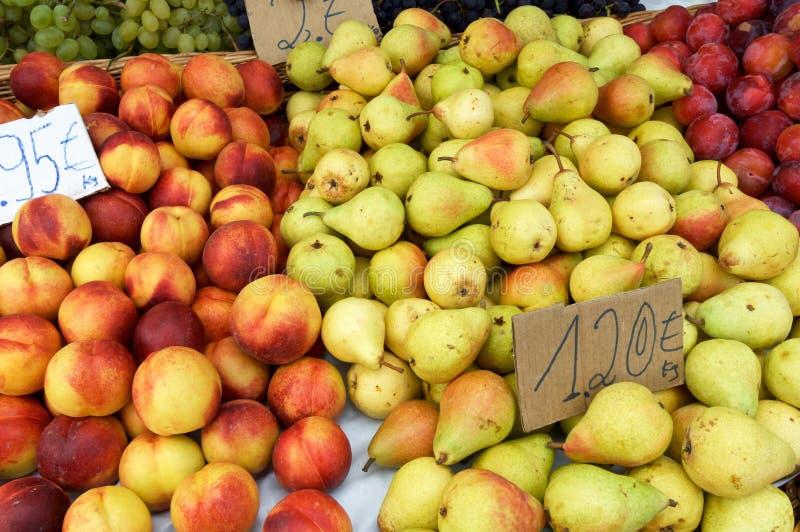 Frutta da vendere fotografia stock