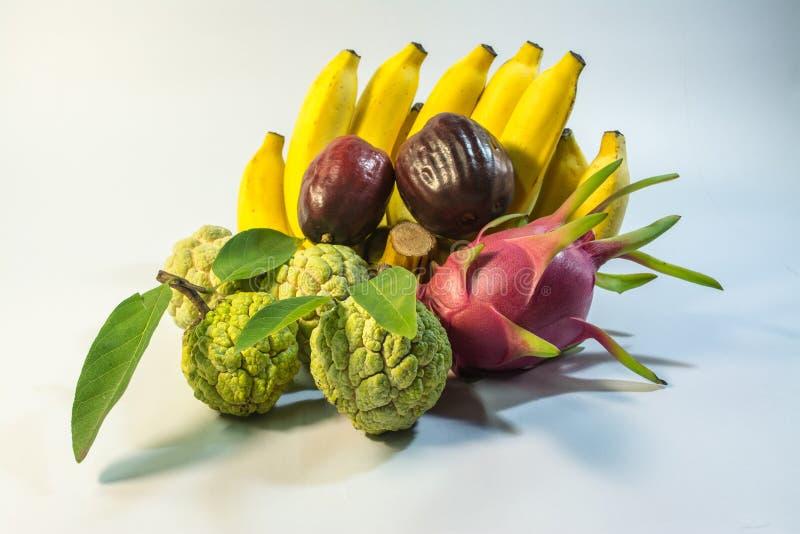 Frutta dal paese della Tailandia banana, mela cannella, melarosa, pitaya immagine stock
