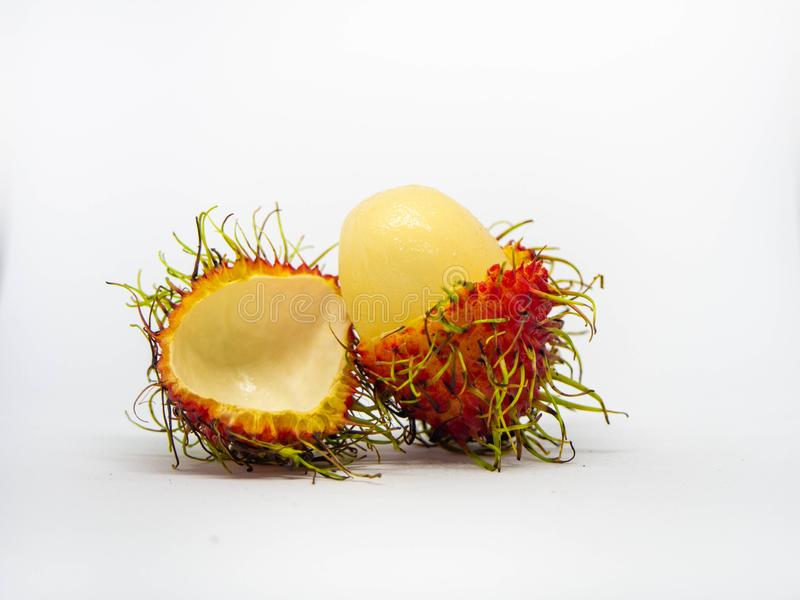 Frutta deliziosa dolce del Rambutan isolata su fondo bianco fotografia stock