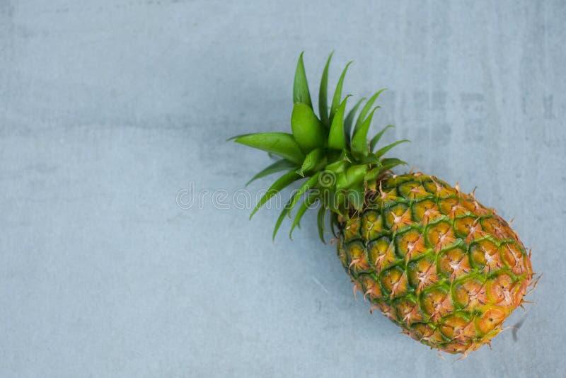 Frutta dell'ananas sulla tavola di legno, picec della frutta dell'ananas per la dieta sana fotografia stock