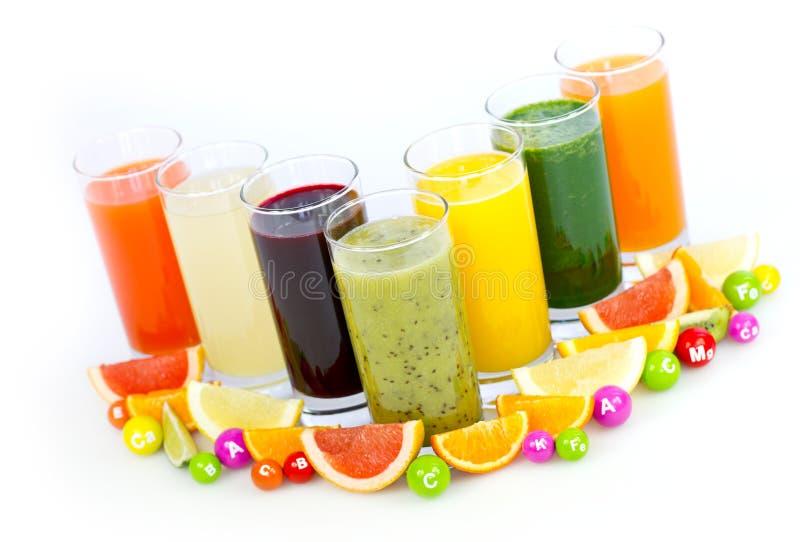 Frutta e succhi di verdura freschi e sani immagine stock