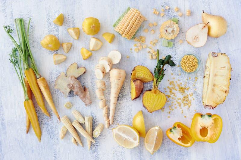 Frutta e veg colorati giallo immagini stock