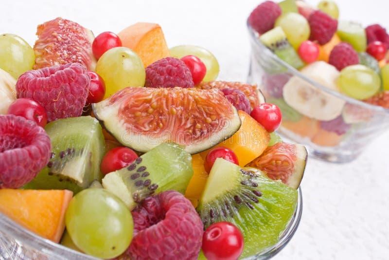 Frutta ed insalata delle bacche fotografia stock