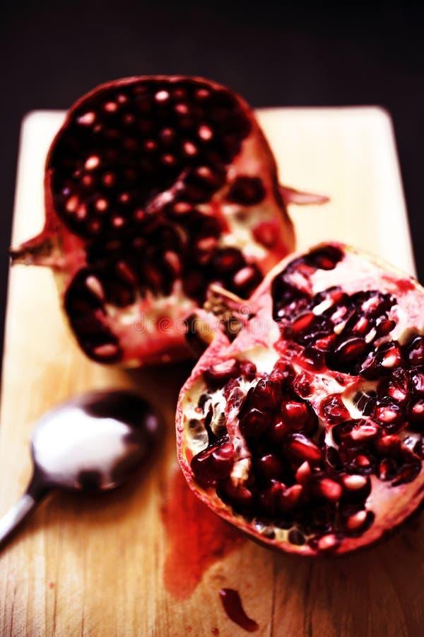 Frutta fresca del melograno immagini stock libere da diritti