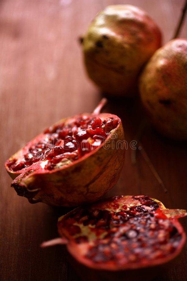Frutta fresca del melograno fotografia stock