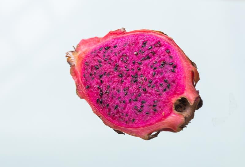 Frutta matura, Pitaya o Pitahaya del drago isolati su fondo bianco, concetto sano della frutta fotografia stock libera da diritti
