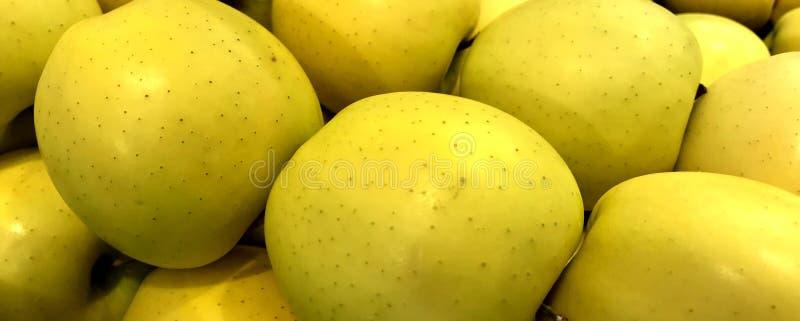 Frutta, mele, varietà golden delicious immagine stock