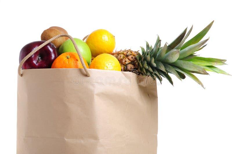Frutta nel sacchetto di acquisto fotografie stock libere da diritti
