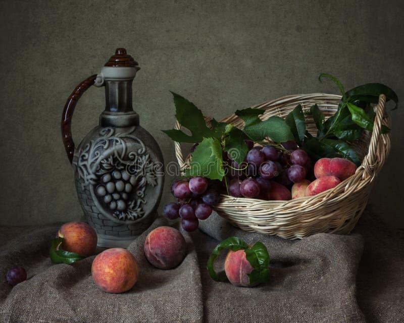 Download Frutta-pezzo immagine stock. Immagine di raccolta, vita - 56890371