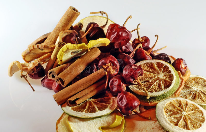 Download Frutta secca immagine stock. Immagine di caienna, citron - 3146735
