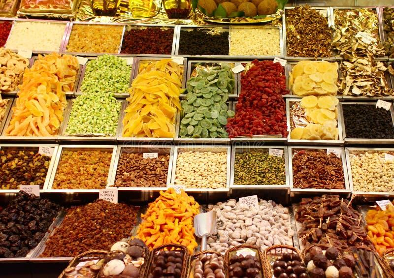 Frutta secca nel servizio fotografia stock libera da diritti