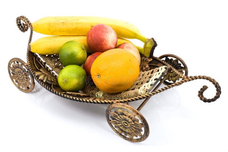 Frutta sul carrello immagine stock