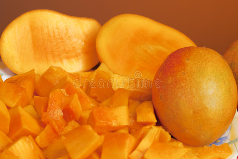 Frutta tagliata squisita del mango fotografia stock libera da diritti