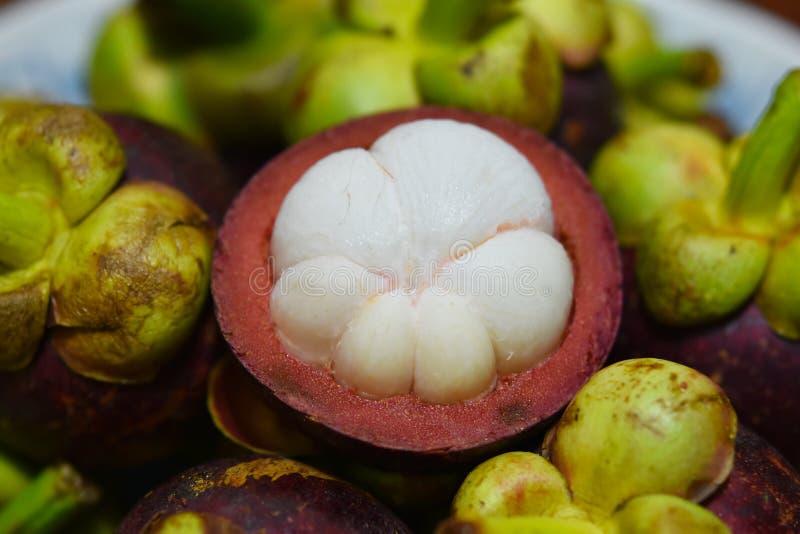 Frutta tropicale del mangostano di garcinia mangostana fotografia stock