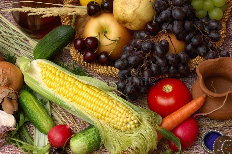 Frutta, verdure e cereale fotografia stock
