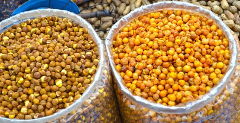 Frutti ed arachidi asciutti immagini stock libere da diritti