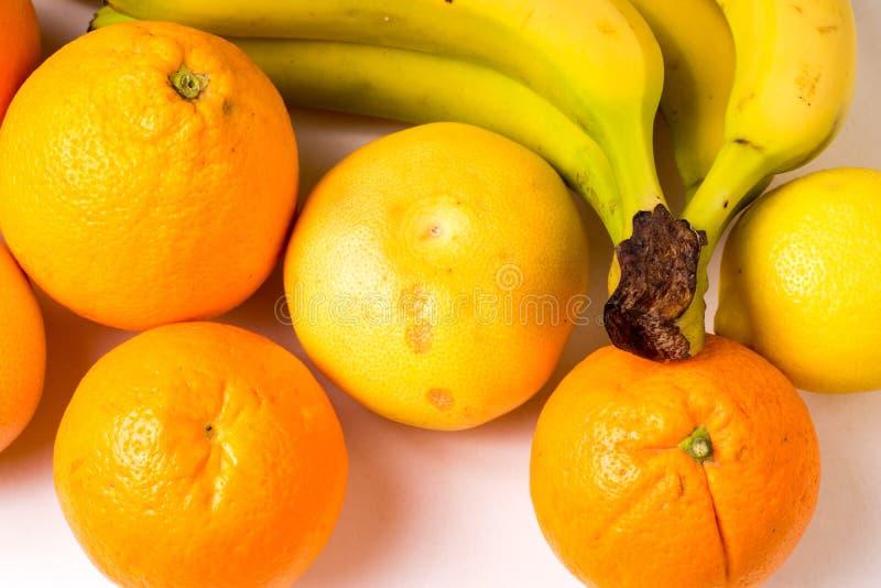 Frutti organici sani gialli immagini stock