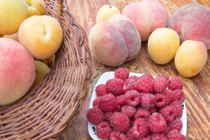 Fruttifica il fondo, vegetariano maturo o è a dieta l'alimento sano, gruppo di prodotti immagini stock