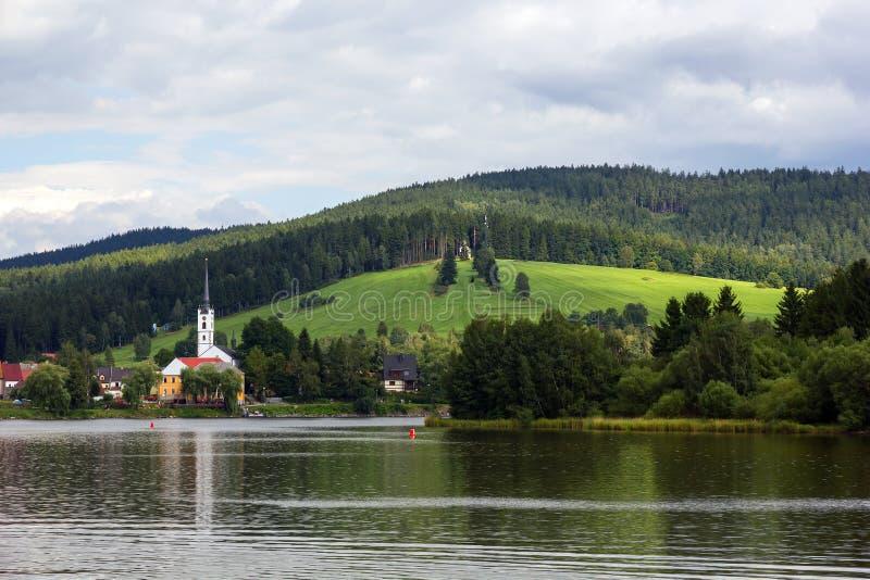 Frymburk en el lago Lipno en República Checa. fotos de archivo
