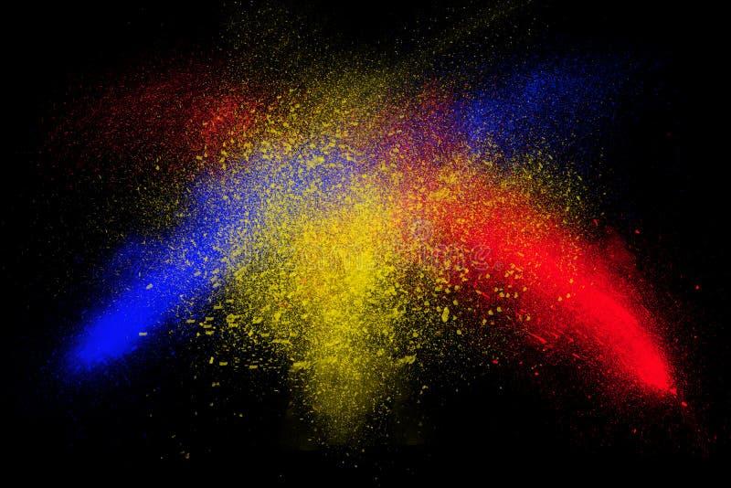 Frysningrörelse av färgrikt pulver som exploderar royaltyfri illustrationer