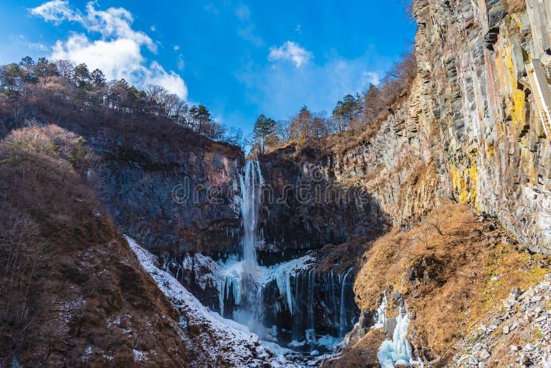 Fryst vattenfall, Kegon vattenfall i vintern som lokaliseras på den Nikko staden nära sjön Chuzenji, Tochigi prefektur Japan royaltyfria bilder