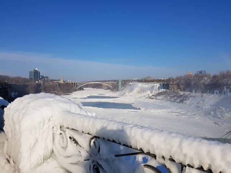 Fryste Niagara Falls arkivfoton